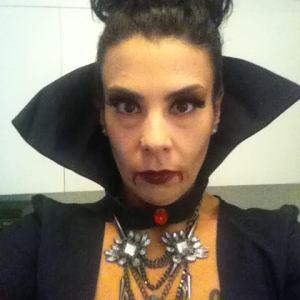 serious vampira