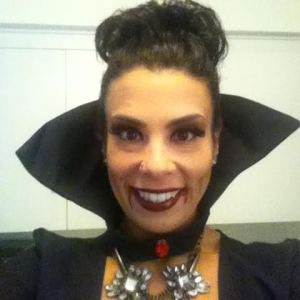 vampira smile